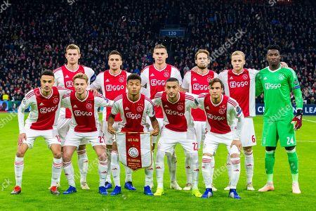 Team of Ajax standing from left: Matthijs de Ligt, Dusan Tadic, Maximilian Wober, Daley Blind, Donny van de Beek en Andre Onana. down from left: Noussair Mazraoui, Frenkie de Jong, David Neres, Hakim Zyech en Nicolas Tagliafico