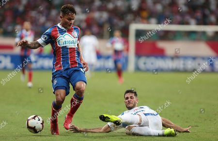 Bahia's Artur (L) vies for the ball with Liverpool's Martin Rivas during their Copa Sudamericana soccer match between Bahia and Liverpool at Arena Fonte Nova stadium in Salvador, Brazil, 07 February 2019.