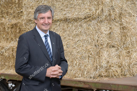 Jim Fitzpatrick Minster of State at the Department of Environment, Food and Rural Affairs.