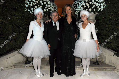 Sol Kerzner, Heather Kerzner and waitresses