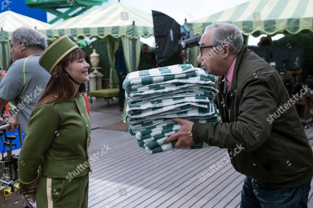 Malina Weissman as Violet Baudelaire and Barry Sonnenfeld