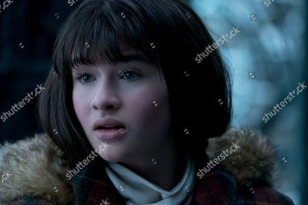 Malina Weissman as Violet Baudelaire