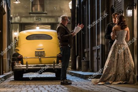 Barry Sonnenfeld, Patrick Warburton as Lemony and Morena Baccarin as Beatrice