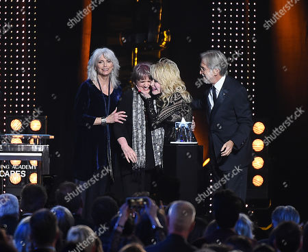 Linda Ronstadt, Emmylou Harris, Dolly Parton, Neil Portnow