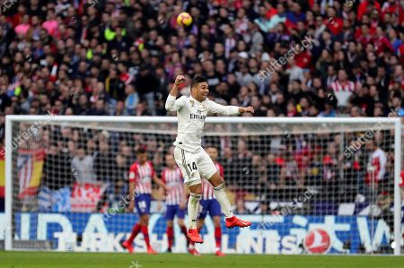 Real Madrid's Carlos Henrique Casimiro (C) in action during a Spanish LaLiga soccer match between Atletico Madrid and Real Madrid at the Wanda Metropolitano stadium in Madrid, Spain, 09 February 2019.