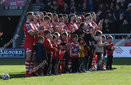 Salford Red Devils hold a minute's applause in memory of Salford born actor Albert Finney