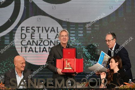 Claudio Bisio, Claudio Baglioni with the 'Amico di Sanremo' Award (Friends of Sanremo), Mayor of Sanremo Alberto Biancheri, Virginia Raffaele during the final press conference