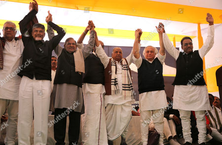 Member of All India Trinamool Congress Derek O'Brien (L), Andhra Pradesh Chief Minister N.Chandrababu Naidu (2-L), Member of Loktantrik Janata Dal party, Sharad Yadav(3-L), DMK member Tiruchi Siva (C), Founder of the Samajwadi Party Mulayam Singh Yadav (3-R) and member of Indian National Congress Jairam Ramesh present during a one day long fast of N.Chandrababu Naidu in New Delhi, India, 11 February 2019. According to the news reports, Andhra Pradesh Chief Minister N.Chandrababu Naidu sitting on a day long fast to demand Indian Government to give special status to Andhra Pradesh state to revive its economy after seperate state of Telangana came into existence from Andhra Pradesh. Various opposition political parties leaders joined to support Naidu.