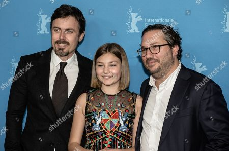 Teddy Schwarzman, Anna Pniowsky and Casey Affleck
