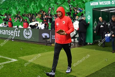 Co-Tainer Jens Lehmann (FC Augsburg), SV Werder Bremen vs. FC Augsburg, Football, 1.Bundesliga, 10.02.2019, DFL REGULATIONS PROHIBIT ANY USE OF PHOTOGRAPHS AS IMAGE SEQUENCES AND/OR QUASI-VIDEO