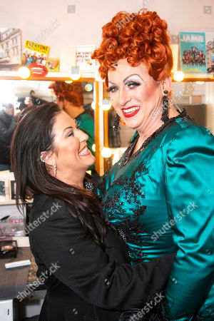 Stock Image of Jessie Wallace and Shane Richie (Hugo/Loco Chanelle) backstage
