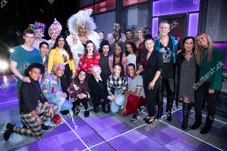 Layton Williams (Jamie), Glenn Close, Hayley Tamaddon (Miss Hedge), Shane Richie (Hugo/Loco Chanelle), Jessie Wallace and members of the cast backstage