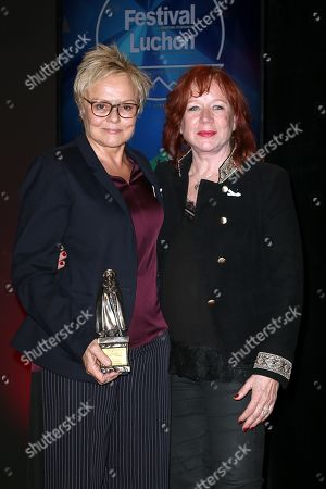Muriel Robin and Eva Darlan - Actress and humorist Muriel Robin receives the 'Pyrenee d'Honneur' Award during the Closing Ceremony