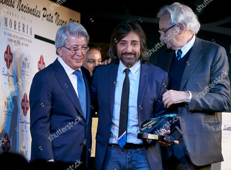 Antonio Carmona receives from Enrique Cerezon the