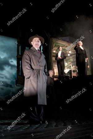 Nicholas Woodeson (Inspector Goole), Diana Payne-Myers (Edna), Robin Whiting (Eric Birling), David Roper (Arthur Birling)