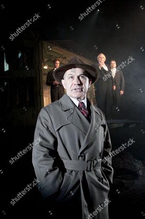 (rear) Robin Whiting (Eric Birling), Nicholas Woodeson (Inspector Goole), David Roper (Arthur Birling), Timothy Watson (Gerald Croft)