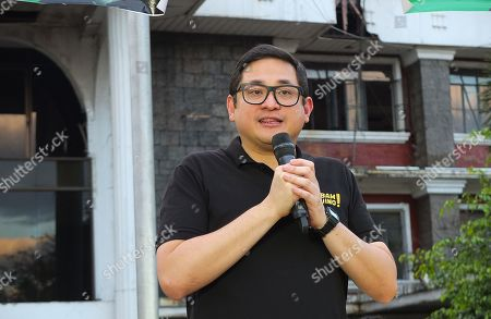 "Senator Paolo Benigno ""Bam"" Aquino IV seen giving his views on the current situation of the country during the campaign."