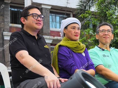 "Senator Paolo Benigno ""Bam"" Aquino IV, Civil Society leader Samira Gutoc, and Human Rights lawyer Chel Diokno seen listening intently during the campaign."