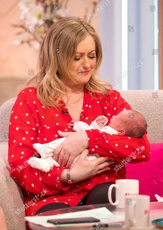 Amelia Wright with baby Cassady