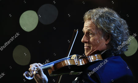 Violinist Andre Rieu performs
