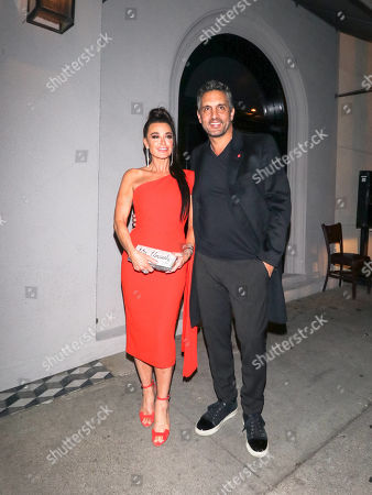 Kyle Richards and Mauricio Umansky are seen in Los Angeles, California. NON-EXCLUSIVE February 12, 2019 Job: 190212GPAN32 Los Angeles, CA www.bauergriffin.com