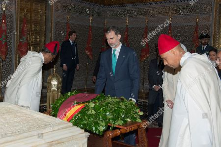 King Felipe VI (C) visits the Mohamed V mausoleum in Rabat, Morocco, 14 February 2019. King Felipe VI is on a two-day official visit to Morocco.