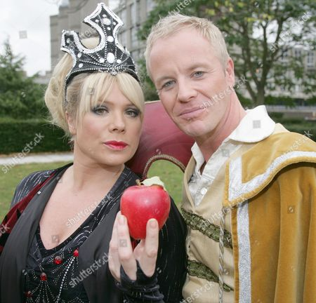 Letitia Dean as The Wicked Queen and her brother Stephen Dean as Prince Danilo Letitia Dean as The Wicked Queen