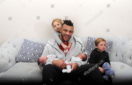 Courtney Lawes Has His Hands Full With His Four Children As He Reflects Upon The Six Nations Rugby Tournament. 20/01/18