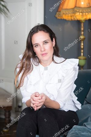 Editorial photo of Jess Mills Photographed At Home In London. Jess Is The Daughter Of Tessa Jowell. For Frances Hardy Interview.npicture By Damien Mcfadden: 07968 308252n.
