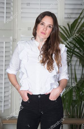 Stock Image of Jess Mills Photographed At Home In London. Jess Is The Daughter Of Tessa Jowell. For Frances Hardy Interview.nn.