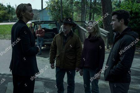 Janet McTeer as Helen Pierce, Peter Mullan as Jacob Snell, Lisa Emery as Darlene Snell and Jason Bateman as Martin 'Marty' Byrde
