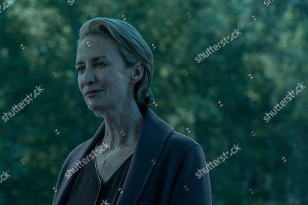 Janet McTeer as Helen Pierce