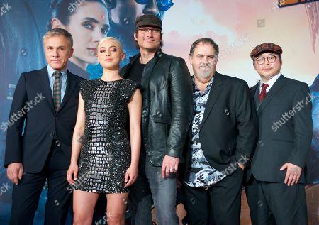 Christoph Waltz, Rosa Salazar, Director Robert Rodriguez, Jon Landau and Yukito Kishiro