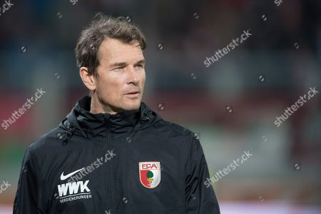 FC Augsburg's Jens Lehmann is seen during warming up prior the German Bundesliga soccer match between FC Augsburg and FC Bayern Munich in Augsburg, Germany, 15 February 2019.