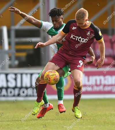 Ashley Smith-Brown of Plymouth Argyle and Eoin Doyle of Bradford City