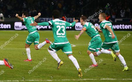 Claudio Pizarro 1:1    celebration   1:1 Ausgleich   / Sport / Football / DFL Bundesliga  /  2018/2019 / 16.02.2019 / Hertha BSC Berlin vs. SV Werder Bremen SVW / DFL regulations prohibit any use of photographs as image sequences and/or quasi-video. /