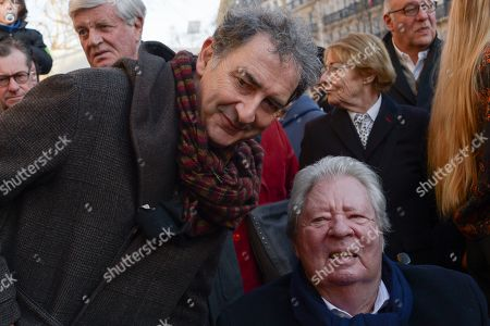Francois Morel and Jean Jacques Sempe. Anne Hidalgo, Mayor of Paris inaugurated on February 16, 2019 with Jean-Jacques Sempe, Jean-Charles Decaux, Chairman of the Executive Board and Co-CEO of JCDecaux, Christophe Girard, Deputy Culture, Pierre Aidenbaum, Mayor of the 3rd district of Paris and Francois Morel, a fresco by Jean-Jacques Sempe, one of the greatest French cartoonists, on a building of the 3rd district between boulevard des Filles du Calvaire and rue Froissart in Paris. This work was made possible thanks to the support of JCDecaux. 200 hours of work were necessary to the Parisian painter Jean-Marie Havan to make this drawing of 7 meters by 5. Paris, FRANCE - 16/02/2019//HARSIN_FRESQUESEMPE010/1902162253/Credit:ISA HARSIN/SIPA/1902162255