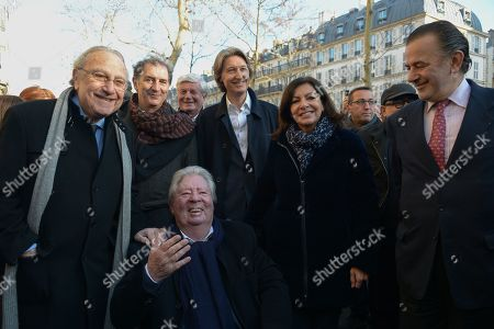 Anne Hidalgo, Mayor of Paris inaugurated on February 16, 2019 with Jean-Jacques Sempe, Jean-Charles Decaux, Chairman of the Executive Board and Co-CEO of JCDecaux, Christophe Girard, Deputy Culture, Pierre Aidenbaum, Mayor of the 3rd district of Paris and Francois Morel, a fresco by Jean-Jacques Sempe, one of the greatest French cartoonists, on a building of the 3rd district between boulevard des Filles du Calvaire and rue Froissart in Paris. This work was made possible thanks to the support of JCDecaux. 200 hours of work were necessary to the Parisian painter Jean-Marie Havan to make this drawing of 7 meters by 5. Paris, FRANCE - 16/02/2019//HARSIN_FRESQUESEMPE013/1902162253/Credit:ISA HARSIN/SIPA/1902162255