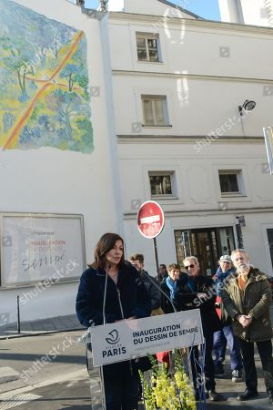 Anne Hidalgo, Mayor of Paris inaugurated on February 16, 2019 with Jean-Jacques Sempe, Jean-Charles Decaux, Chairman of the Executive Board and Co-CEO of JCDecaux, Christophe Girard, Deputy Culture, Pierre Aidenbaum, Mayor of the 3rd district of Paris and Francois Morel, a fresco by Jean-Jacques Sempe, one of the greatest French cartoonists, on a building of the 3rd district between boulevard des Filles du Calvaire and rue Froissart in Paris. This work was made possible thanks to the support of JCDecaux. 200 hours of work were necessary to the Parisian painter Jean-Marie Havan to make this drawing of 7 meters by 5. Paris, FRANCE - 16/02/2019//HARSIN_FRESQUESEMPE017/1902162253/Credit:ISA HARSIN/SIPA/1902162255