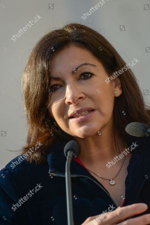 Anne Hidalgo, Mayor of Paris. Anne Hidalgo, Mayor of Paris inaugurated on February 16, 2019 with Jean-Jacques Sempe, Jean-Charles Decaux, Chairman of the Executive Board and Co-CEO of JCDecaux, Christophe Girard, Deputy Culture, Pierre Aidenbaum, Mayor of the 3rd district of Paris and Francois Morel, a fresco by Jean-Jacques Sempe, one of the greatest French cartoonists, on a building of the 3rd district between boulevard des Filles du Calvaire and rue Froissart in Paris. This work was made possible thanks to the support of JCDecaux. 200 hours of work were necessary to the Parisian painter Jean-Marie Havan to make this drawing of 7 meters by 5. Paris, FRANCE - 16/02/2019//HARSIN_FRESQUESEMPE019/1902162254/Credit:ISA HARSIN/SIPA/1902162255