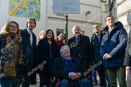 Stock Photo of Anne Hidalgo, Mayor of Paris inaugurated on February 16, 2019 with Jean-Jacques Sempe, Jean-Charles Decaux, Chairman of the Executive Board and Co-CEO of JCDecaux, Christophe Girard, Deputy Culture, Pierre Aidenbaum, Mayor of the 3rd district of Paris and Francois Morel, a fresco by Jean-Jacques Sempe, one of the greatest French cartoonists, on a building of the 3rd district between boulevard des Filles du Calvaire and rue Froissart in Paris. This work was made possible thanks to the support of JCDecaux. 200 hours of work were necessary to the Parisian painter Jean-Marie Havan to make this drawing of 7 meters by 5. Paris, FRANCE - 16/02/2019//HARSIN_FRESQUESEMPE022/1902162254/Credit:ISA HARSIN/SIPA/1902162255