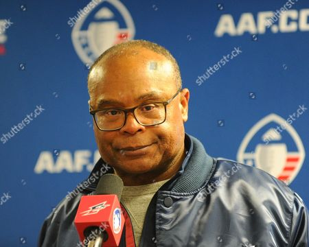 Memphis Express Head Coach, Mike Singletary, during the post game interview, following the AAF football game between the Arizona Hotshots and the Memphis Express at Liberty Bowl Stadium in Memphis, TN. Arizona defeated Memphis, 20-18. Kevin Langley/Sports South Media/CSM
