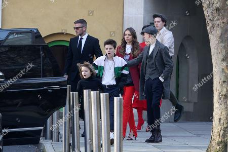 David Beckham, Harper Beckham, Cruz Beckham, Brooklyn Beckham, Hana Cross, Victoria Beckham
