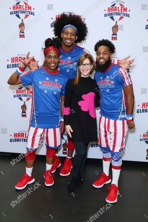 Lisa Loeb attends The Harlem Globetrotters game at Staples Center, in Los Angeles