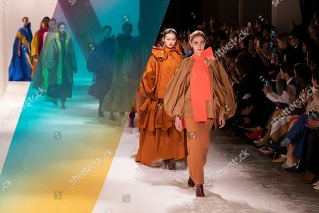 Models present creations by Serbian designer Roksanda Ilincic during London Fashion Week 2019, in Central London, Britain, 18 February 2019. The LFW Fall/Winter 2019 runs from 15 to 19 February.