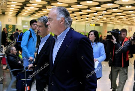 Esteban Gonzalez Pons (C), the Spokesman of the Spanish Popular Party's delegation at the European Parliament, and members of his delegation arrive to Madrid-Barajas Adolfo Suarez airport in Madrid, Spain, 18 February 2019. Gonzalez Pons traveled within a EU delegation sent to Venezuela in order to visit the country and to meet with National Assembly chief Juan Guaido. The European mission was expelled by Venezuelan authorities as they arrived to the country, Pons said.