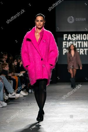 British model Yasmin Le Bon presents a creation at the Oxfam Fashion Fighting Poverty Show during the London Fashion Week 2019 in Central London, Britain, 18 February 2019. The LFW runs from 15 to 19 February.