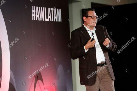 The Crossmedia Golden Braid, Scientific Approach to Media Planning seminar, Advertising Week Latin America