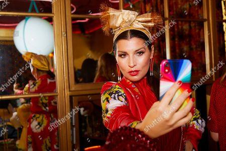 Grace Woodward takes a selfie