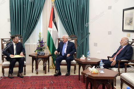 Palestinian President Mahmoud Abbas meets with the envoy of Sultan Qaboos bin Said, Salim bin Habib Al Amiri